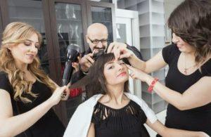 クセがすごい髪のヘアサロンでのお手入れ方法