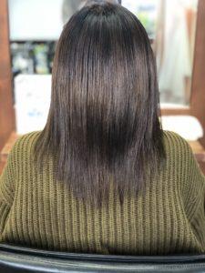広がった髪を改善。ロコスアッソ美容室