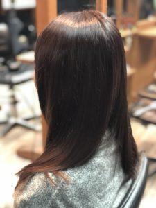 ピンクブラウンで黄ばみを解消! 明るめのプルルンな髪色に!