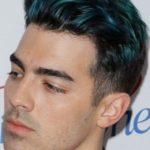 男20代【髪が青く光った】スリーブロックカットとカラー