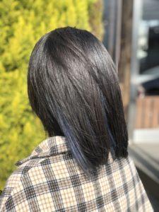 黒髪にインナーカラー/ロコスアッソ美容室