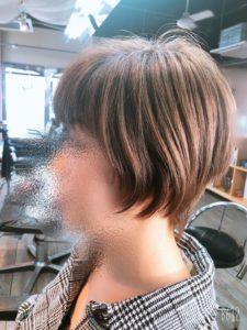 30代【髪が跳ねる】カットでお直し。首元を細くみせたい。