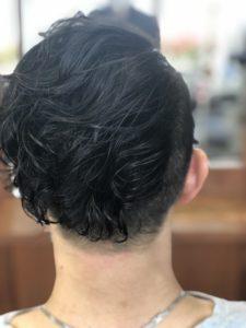 【メンズパーマ】黒髪の毛先が動く。毛先を軽く見せれるよ。