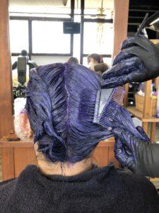 紫のヘアカラー