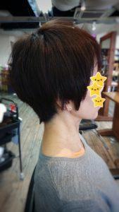50代【髪のボリューム】トップをふわっと。首元スッキリ。