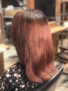 【レビュー】20分でみどり色の髪をボルドーカラーの髪色に!